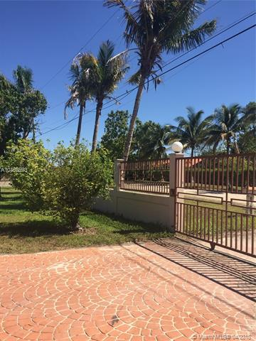 17650 SW 182nd Ave, Miami, FL 33187 (MLS #A10460593) :: Stanley Rosen Group