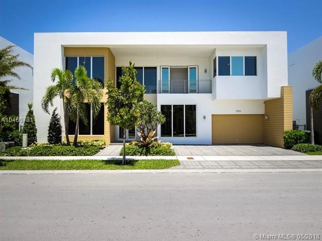 10243 NW 74th Ter, Miami, FL 33178 (MLS #A10460781) :: Albert Garcia Team