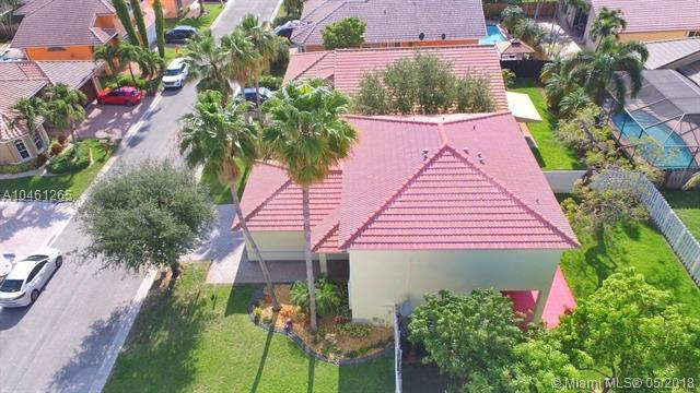 11560 SW 10th Ct, Pembroke Pines, FL 33025 (MLS #A10461265) :: Stanley Rosen Group