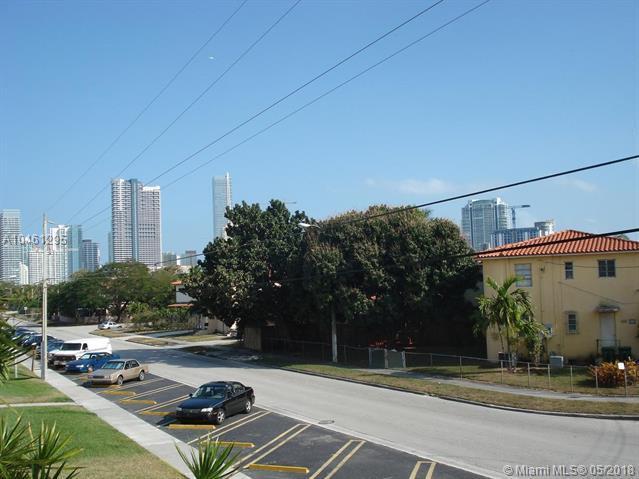 695 SW 11th St #201, Miami, FL 33129 (MLS #A10461295) :: Green Realty Properties