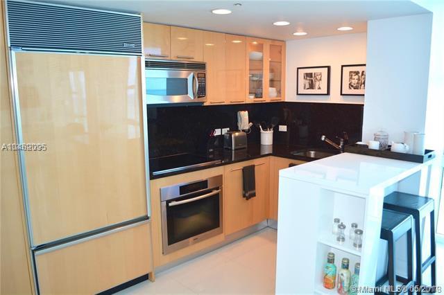 6801 Collins Ave #1407, Miami Beach, FL 33141 (MLS #A10462095) :: Grove Properties