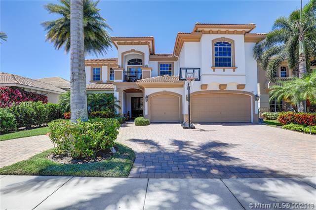 317 E Charroux Dr, Palm Beach Gardens, FL 33410 (MLS #A10462490) :: Calibre International Realty