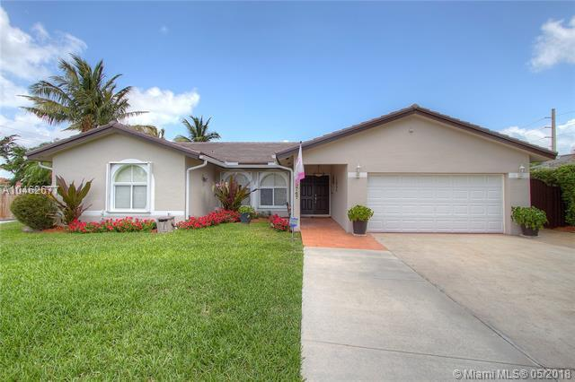 19747 SW 84th Pl, Cutler Bay, FL 33189 (MLS #A10462677) :: Green Realty Properties