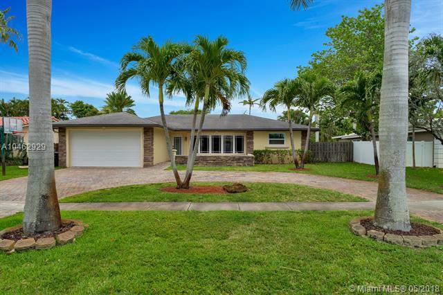 4001 N 36th Ave, Hollywood, FL 33021 (MLS #A10462929) :: The Teri Arbogast Team at Keller Williams Partners SW