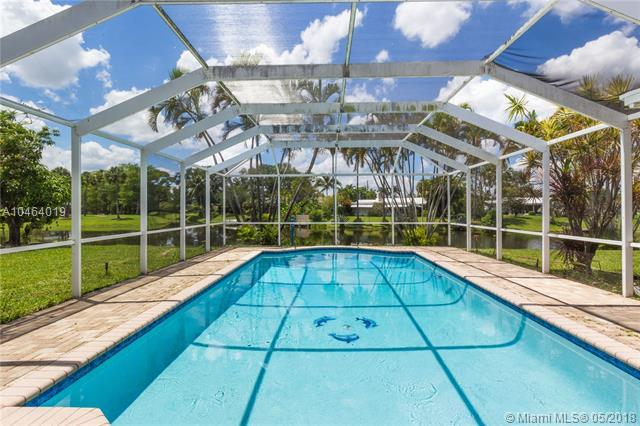 941 NW 42nd Ave, Coconut Creek, FL 33066 (MLS #A10464019) :: Calibre International Realty