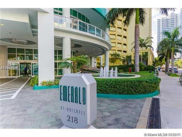 218 SE 14th #1206, Miami, FL 33131 (MLS #A10464205) :: Green Realty Properties