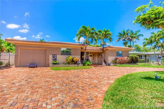 1243 Buchanan St, Hollywood, FL 33019 (MLS #A10464434) :: Green Realty Properties