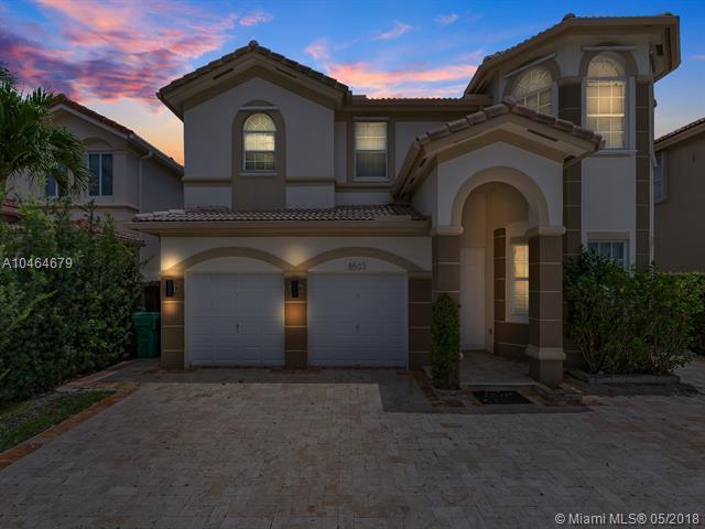 8503 NW 115th Ct, Doral, FL 33178 (MLS #A10464679) :: The Teri Arbogast Team at Keller Williams Partners SW