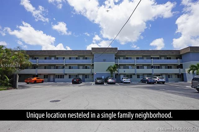 1400 NE 54th St #104, Fort Lauderdale, FL 33334 (MLS #A10464794) :: Stanley Rosen Group