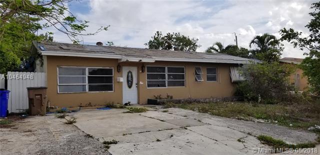 651 SW 15th St, Deerfield Beach, FL 33441 (MLS #A10464948) :: Green Realty Properties