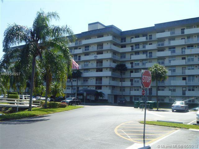 250 Jacaranda Dr #611, Plantation, FL 33324 (MLS #A10464997) :: Stanley Rosen Group