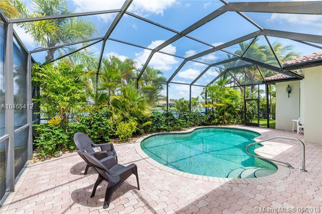 1067 SW 159th Way, Pembroke Pines, FL 33027 (MLS #A10465412) :: Stanley Rosen Group