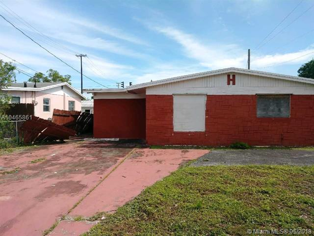 3020 Greenwood Ave, West Palm Beach, FL 33407 (MLS #A10465861) :: Calibre International Realty