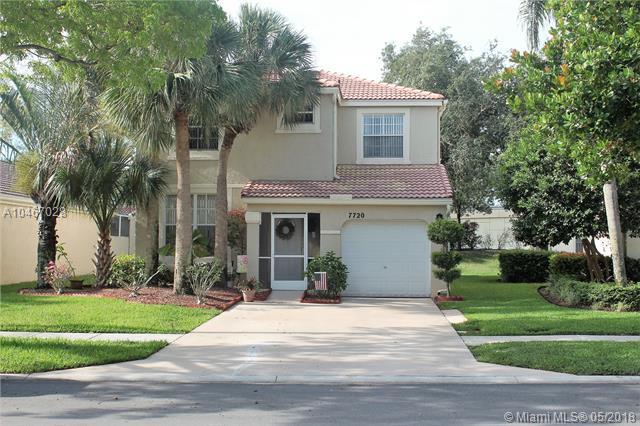7720 Rockport Cir, Lake Worth, FL 33467 (MLS #A10467028) :: Green Realty Properties