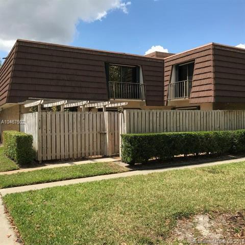 1128 11th Ln, Palm Beach Gardens, FL 33418 (MLS #A10467502) :: Stanley Rosen Group
