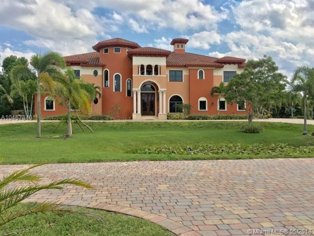 11930 NW 8th St, Plantation, FL 33325 (MLS #A10467840) :: The Teri Arbogast Team at Keller Williams Partners SW
