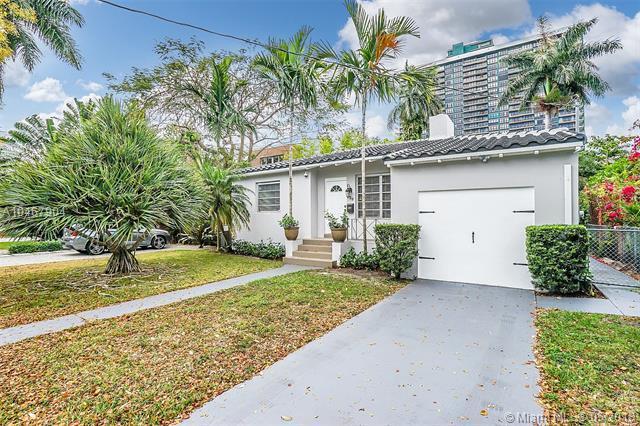 800 NE 71 St, Miami, FL 33138 (MLS #A10467904) :: The Jack Coden Group