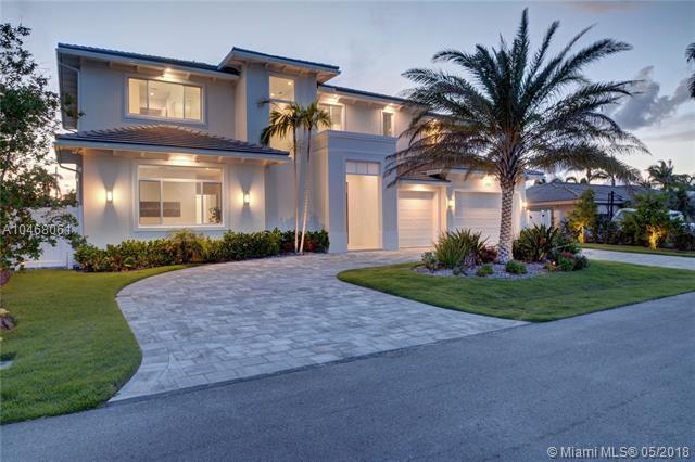 3751 NE 24th Av, Lighthouse Point, FL 33064 (MLS #A10468061) :: Castelli Real Estate Services