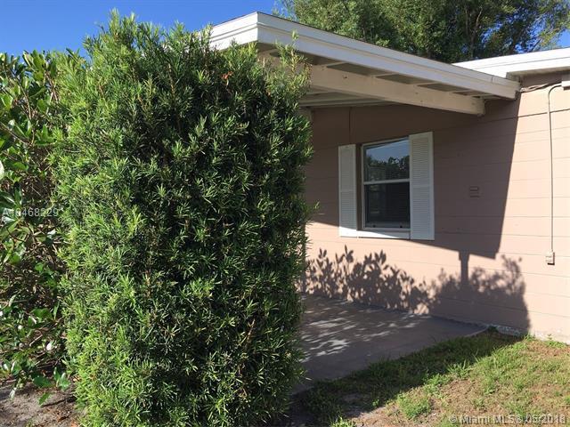 423 21st St Sw, Vero Beach, FL 32962 (MLS #A10468229) :: Calibre International Realty