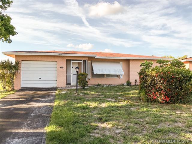 1281 NW 48 St, Deerfield Beach, FL 33064 (MLS #A10468419) :: Stanley Rosen Group
