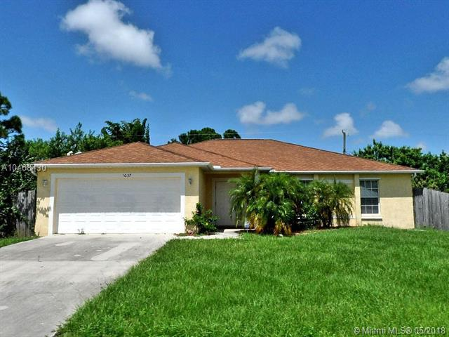 1037 SW Romaine Ln, Port St. Lucie, FL 34953 (MLS #A10468430) :: Prestige Realty Group