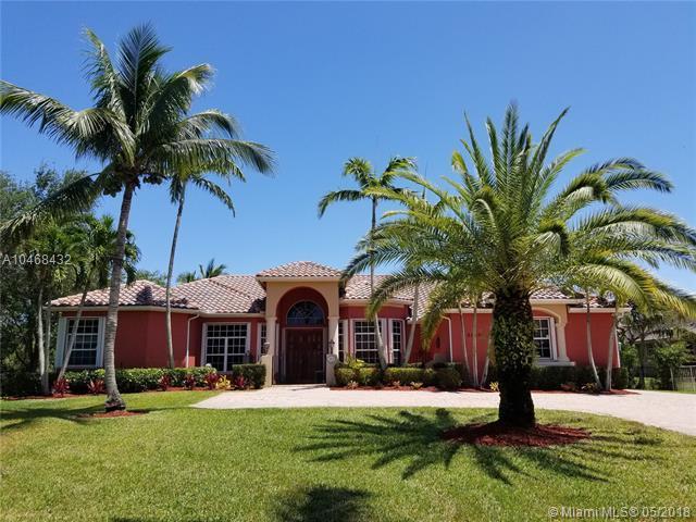 2130 SW 119th Ter, Davie, FL 33325 (MLS #A10468432) :: Green Realty Properties