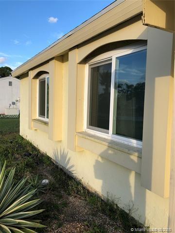 296 SW Bridgeport Dr, Port St. Lucie, FL 34953 (MLS #A10468586) :: The Teri Arbogast Team at Keller Williams Partners SW