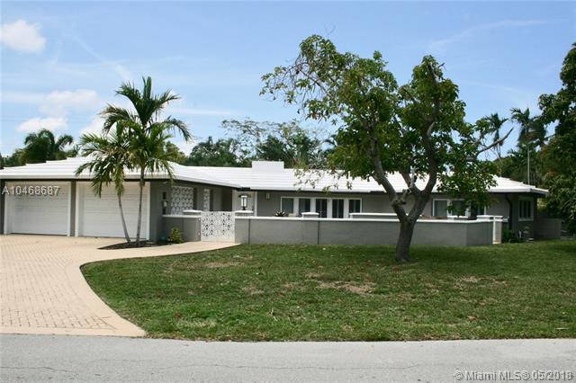 2633 NE 29th St, Fort Lauderdale, FL 33306 (MLS #A10468687) :: Stanley Rosen Group