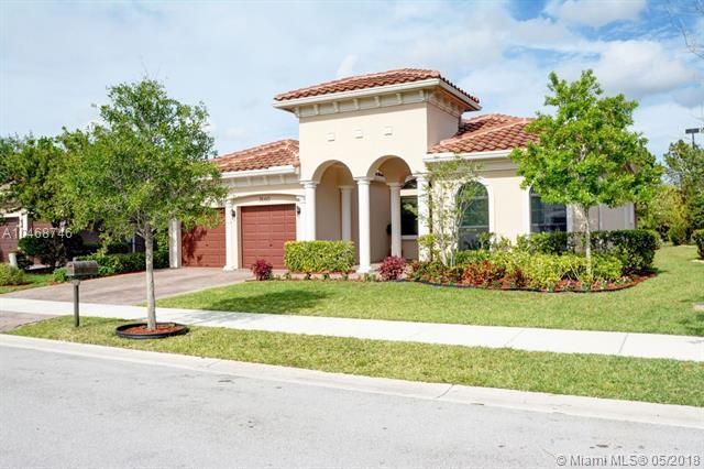 7660 Red Bay Ln, Parkland, FL 33076 (MLS #A10468746) :: Melissa Miller Group