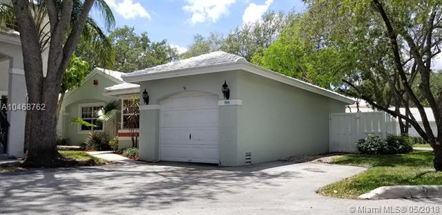 9851 NW 2nd Ct, Plantation, FL 33324 (MLS #A10468762) :: Green Realty Properties