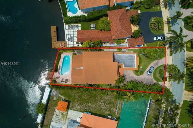 654 Golden Beach, Golden Beach, FL 33160 (MLS #A10468931) :: Keller Williams Elite Properties