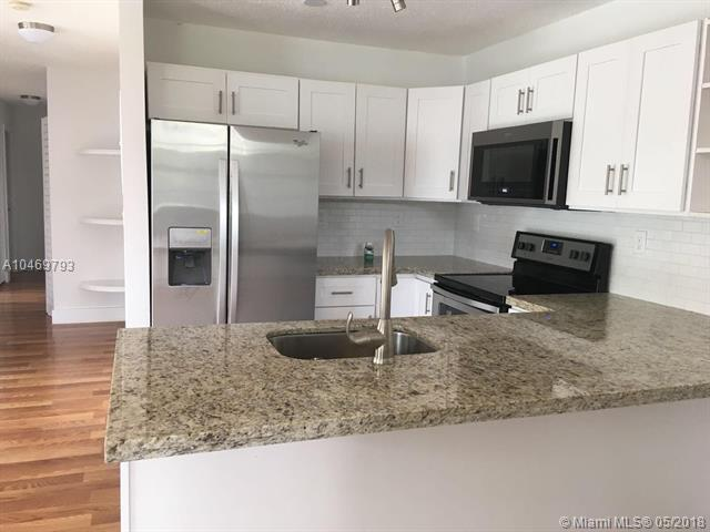 11915 NE 12th Ct, Biscayne Park, FL 33161 (MLS #A10469793) :: The Jack Coden Group