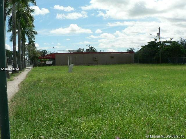 422 S Krome Ave, Homestead, FL 33030 (MLS #A10469814) :: Stanley Rosen Group