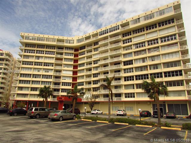 1825 S Ocean Dr #9, Hallandale, FL 33009 (MLS #A10469889) :: The Chenore Real Estate Group