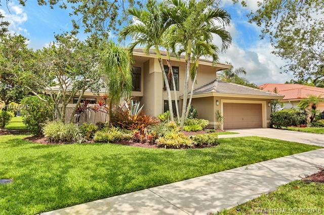 1315 Sunset Springs Way, Weston, FL 33326 (MLS #A10469957) :: Green Realty Properties