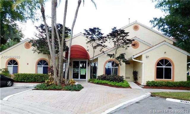 907 Coral Club Dr #907, Coral Springs, FL 33071 (MLS #A10469980) :: Stanley Rosen Group