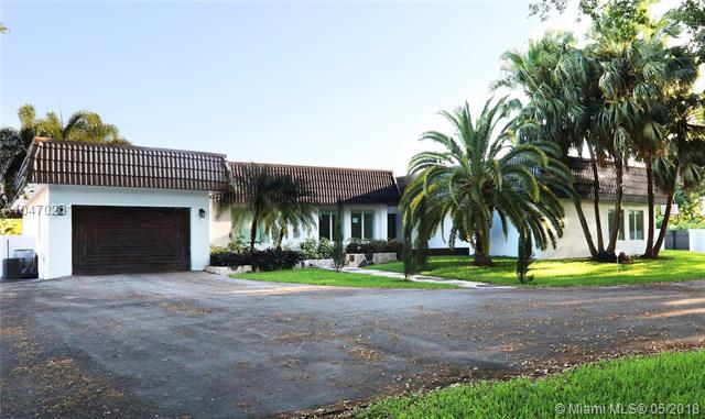 12520 SW 6th St, Miami, FL 33184 (MLS #A10470261) :: Albert Garcia Team