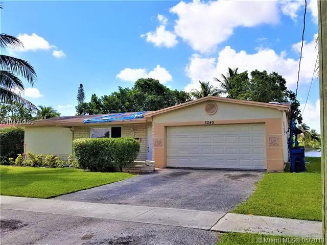 3240 NW 41st St, Lauderdale Lakes, FL 33309 (MLS #A10470280) :: Stanley Rosen Group