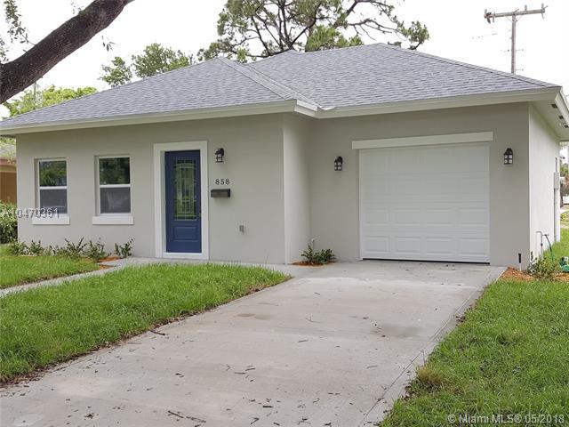 858 Hawthorne Dr, Lake Park, FL 33403 (MLS #A10470361) :: Calibre International Realty