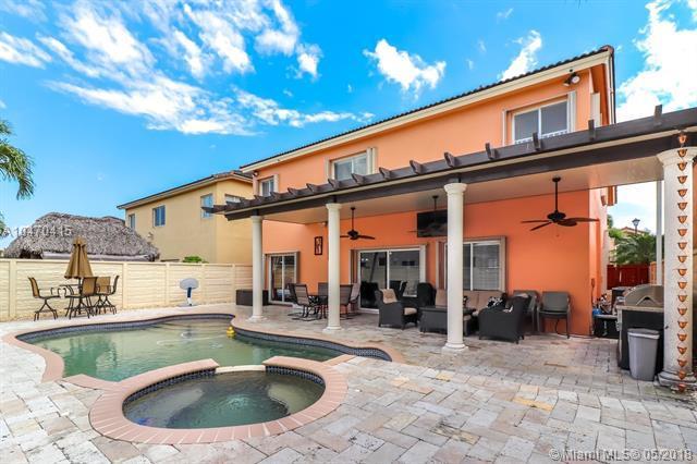 15661 SW 8th Ln, Miami, FL 33194 (MLS #A10470415) :: RE/MAX Presidential Real Estate Group