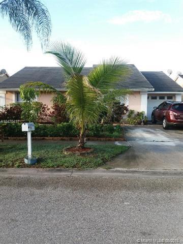 5509 Priscilla Ln, Lake Worth, FL 33463 (MLS #A10470417) :: Stanley Rosen Group