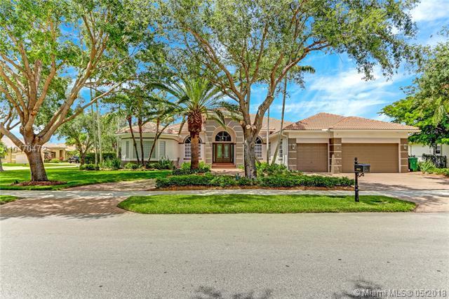 13453 SW 42, Davie, FL 33330 (MLS #A10470472) :: Green Realty Properties