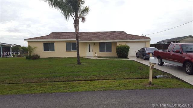 2185 SE Sunflower St, Port St. Lucie, FL 34952 (MLS #A10470710) :: Prestige Realty Group