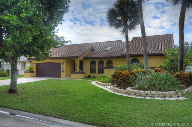 5163 NW 58th Ter, Coral Springs, FL 33067 (MLS #A10470767) :: Green Realty Properties
