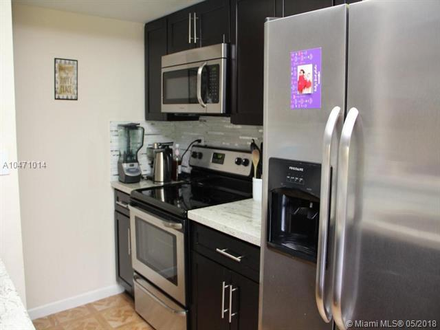 15241 SW 80th St. #312, Miami, FL 33193 (MLS #A10471014) :: RE/MAX Presidential Real Estate Group