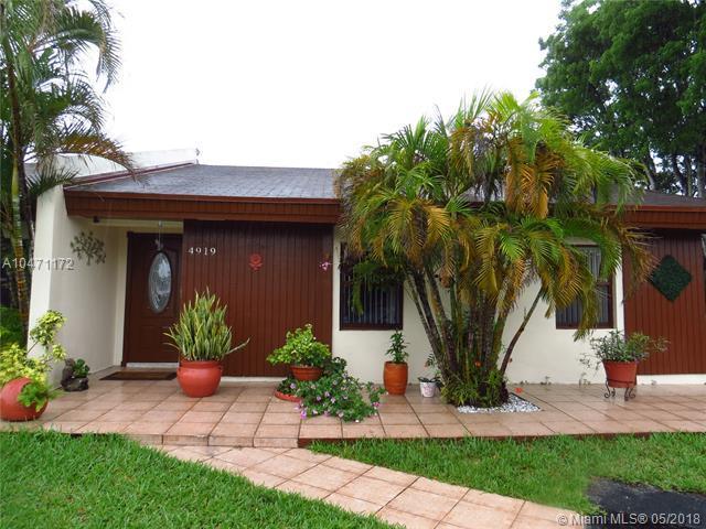 4919 SW 139th Ct #4919, Miami, FL 33175 (MLS #A10471172) :: Prestige Realty Group
