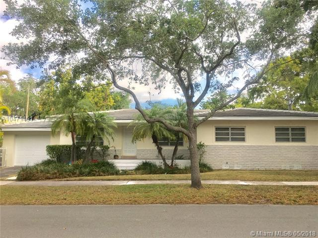 1245 Milan Ave, Coral Gables, FL 33134 (MLS #A10471451) :: The Riley Smith Group