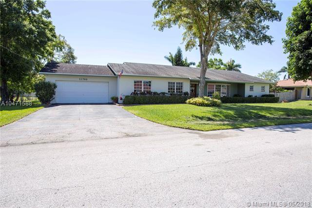 11780 NW 27th St, Plantation, FL 33323 (MLS #A10471588) :: Green Realty Properties