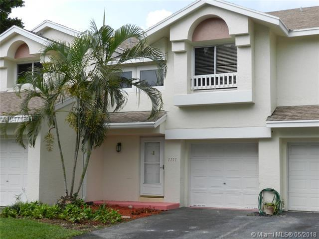 2222 W Discovery Cir W, Deerfield Beach, FL 33442 (MLS #A10471631) :: Prestige Realty Group