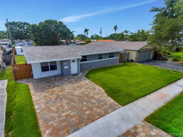 1908 N 40th Ave, Hollywood, FL 33021 (MLS #A10471854) :: Green Realty Properties